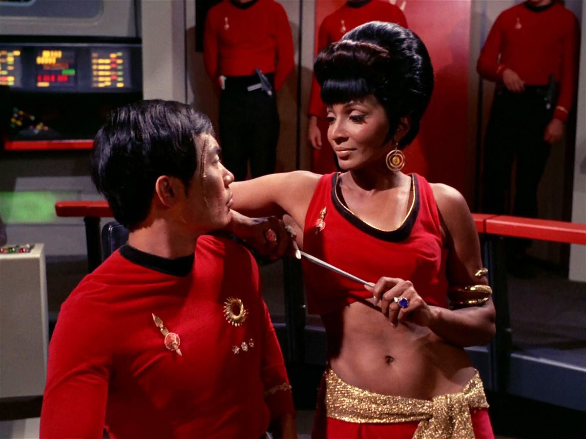 Uhura Distracts